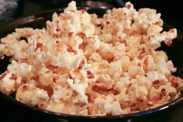Make kettle corn at home