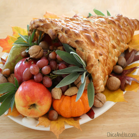 Create A Cornucopia | Thanksgiving Traditions Every Family Should Do