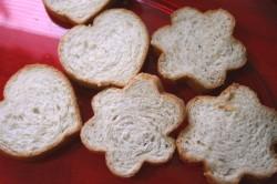 PB&J gem sandwiches