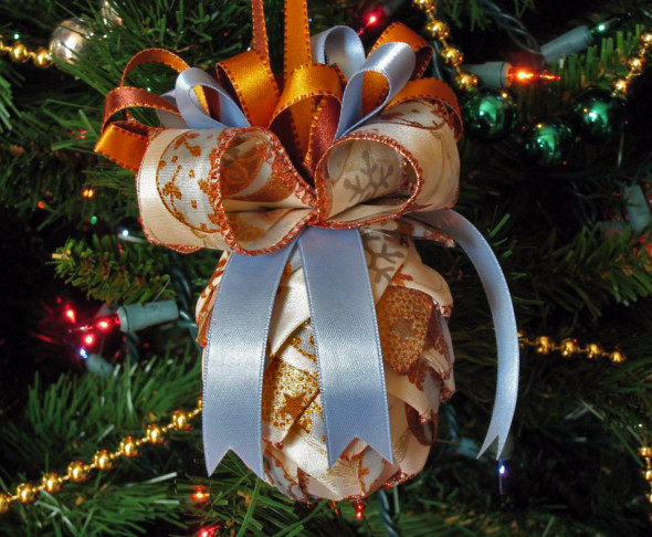 Ribbon pine cone shaped ornaments