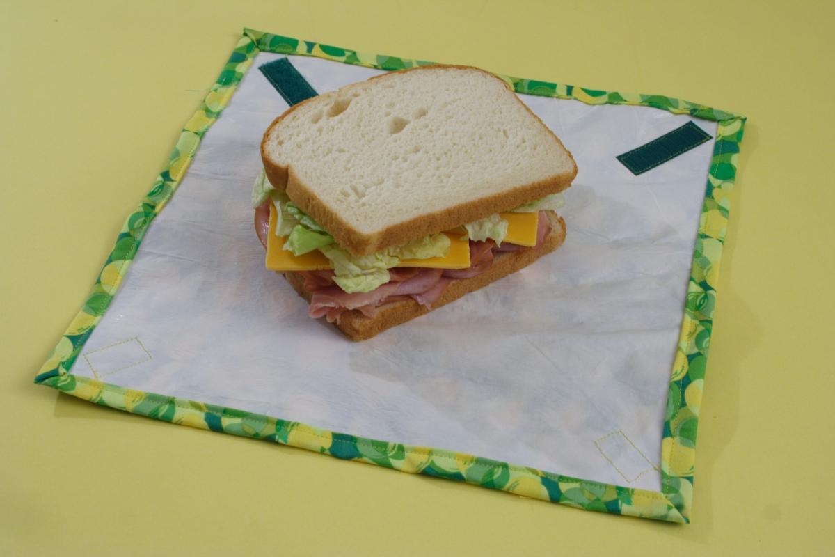 http://www.chicaandjo.com/2010/02/01/fused-plastic-sandwich-wraps/