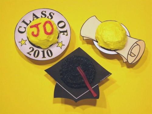 Cupcake Collars graduation cupcakes