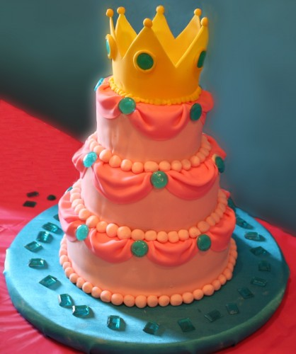 Princess Peach birthday cake