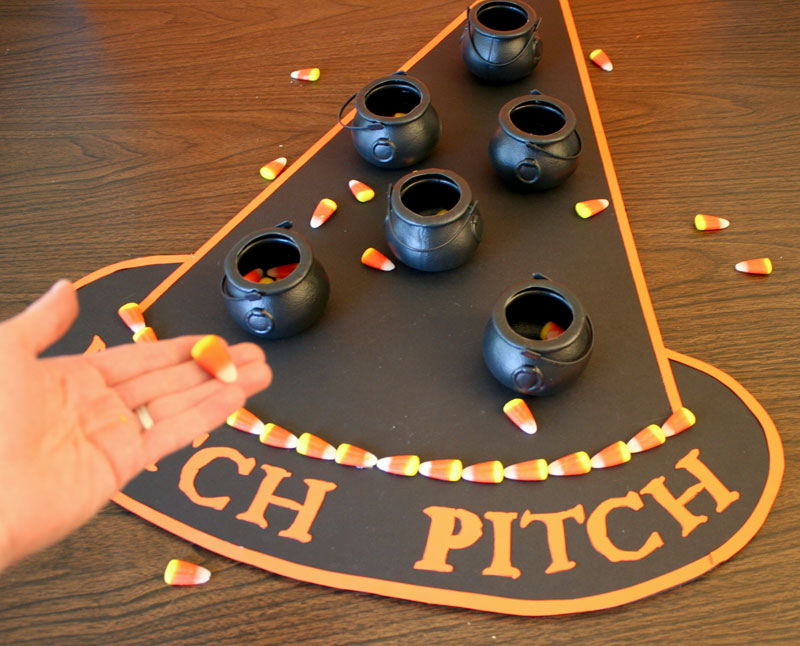 halloween party game witch pitch chica and jo. Black Bedroom Furniture Sets. Home Design Ideas