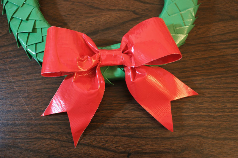 Christmas crafts with colored duct tape chica and jo for Mini duct tape crafts