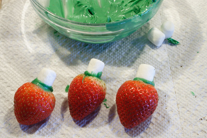 chocolate covered strawberry christmas lights - Christmas Chocolate Covered Strawberries