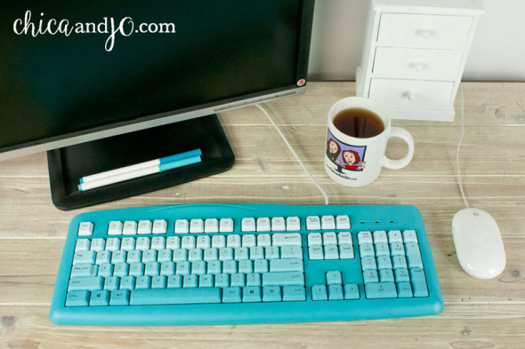 DIY colorful painted computer keyboard