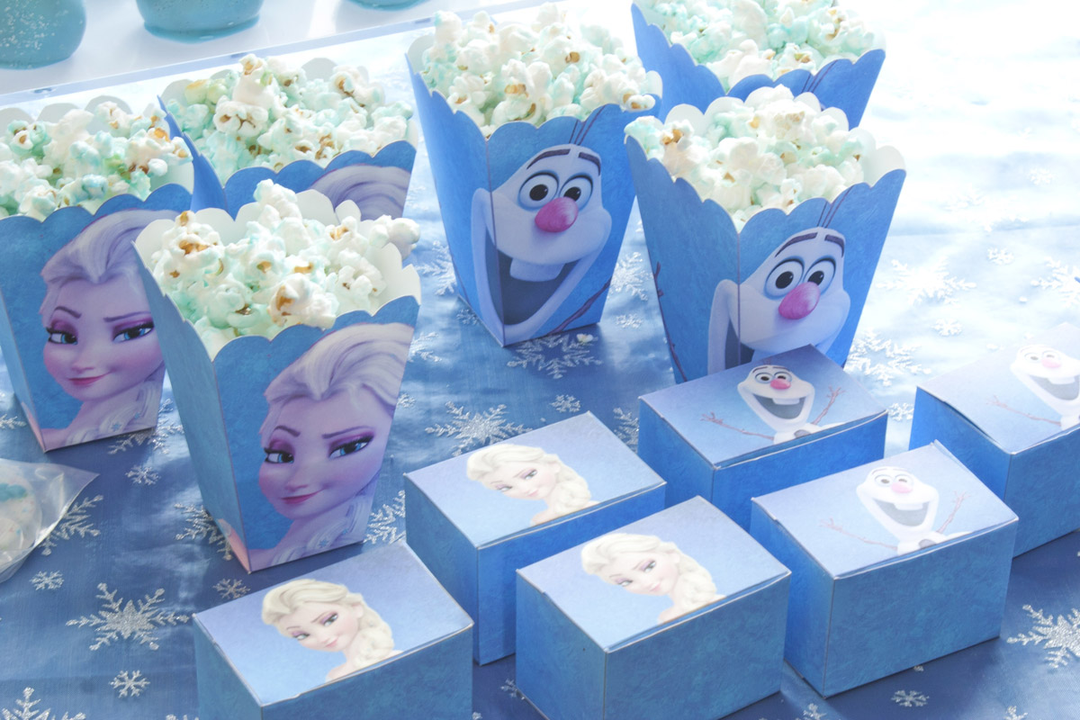 Frozen Cupcakes Snowflake Disney's Frozen part...