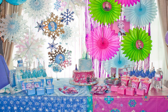 Disneys Frozen birthday party ideas Chica and Jo