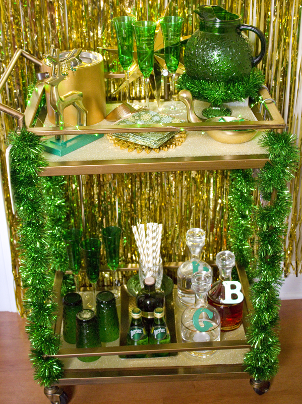 Christmas green and gold bar cart | Chica and Jo
