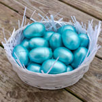 http://www.chicaandjo.com/wp-content/uploads/2016/03/metallic_easter_eggs_thumb.jpg