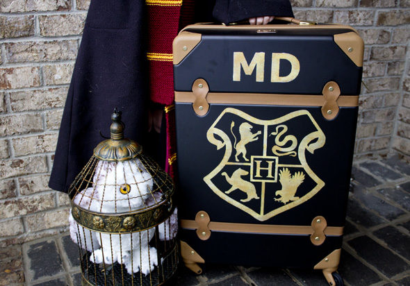 Harry Potter school trunk DIY