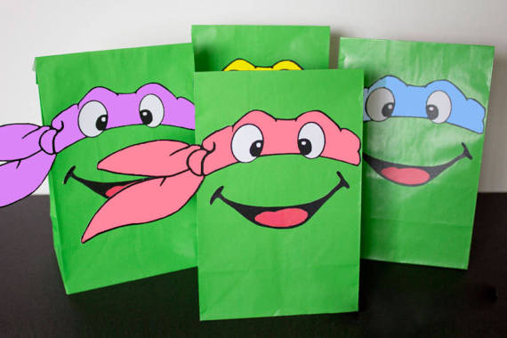 Teenage Mutant Ninja Turtles party favors and invitations | Chica ...