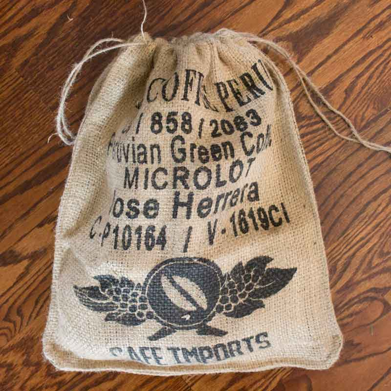 Great Ways To Use Burlap In Home Decor: DIY Home Decor Projects Using Burlap Coffee Sacks
