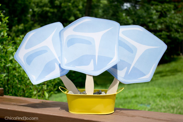 Fun DIY paddle fans for summer parties